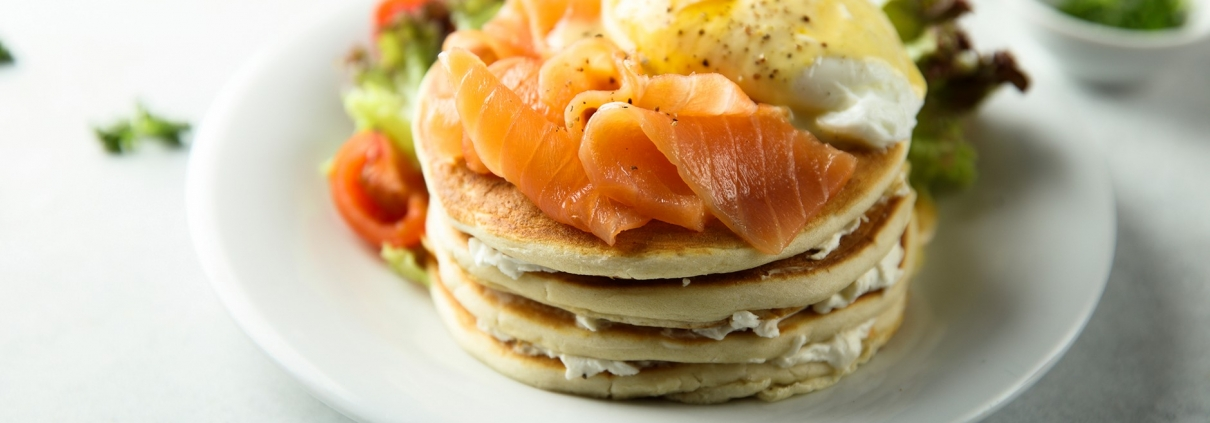 Eggs benedict pancakes